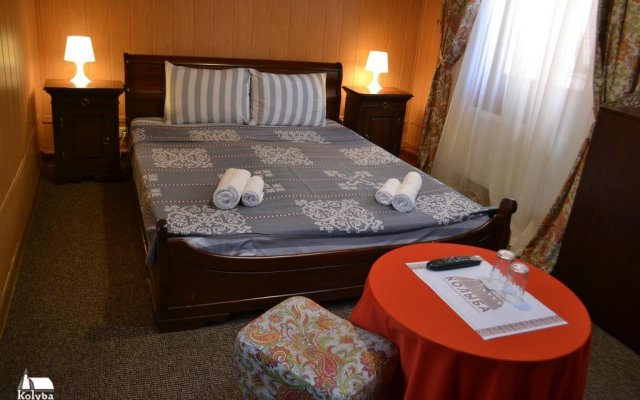Гостиница Zakarpatska Kolyba комната для гостей