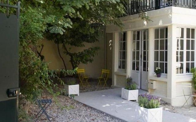 Отель Helzear Montparnasse Suites вид на фасад
