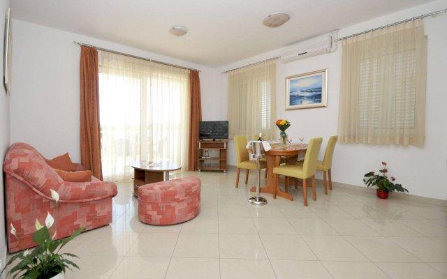 Отель Apartmani Trogir комната для гостей