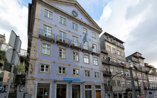 Отель Bluesock Hostels Porto вид на фасад