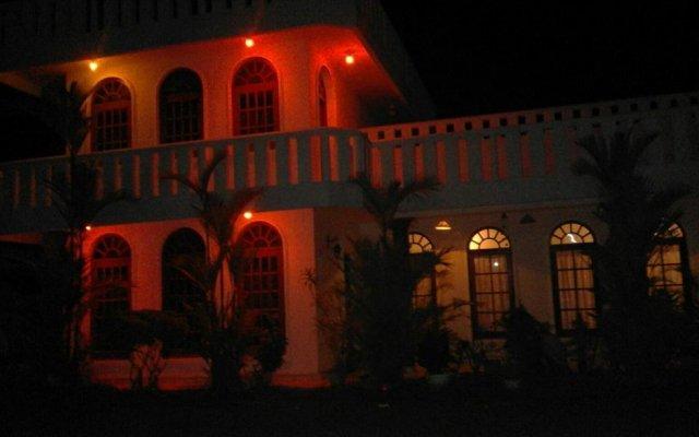 Отель Barasti Beach Resort Шри-Ланка, Ваддува - отзывы, цены и фото номеров - забронировать отель Barasti Beach Resort онлайн вид на фасад