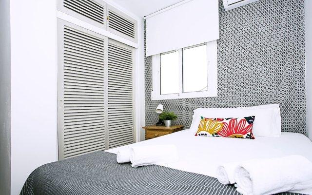 Отель Blue Toscana Pool & Center Apartment Испания, Торремолинос - отзывы, цены и фото номеров - забронировать отель Blue Toscana Pool & Center Apartment онлайн комната для гостей