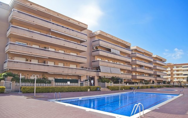 Отель RVhotels Apartamentos Ses Illes Испания, Бланес - отзывы, цены и фото номеров - забронировать отель RVhotels Apartamentos Ses Illes онлайн вид на фасад