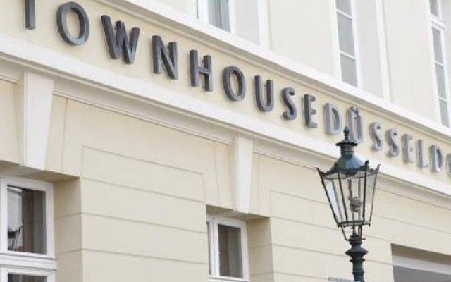 Отель Townhouse Düsseldorf вид на фасад