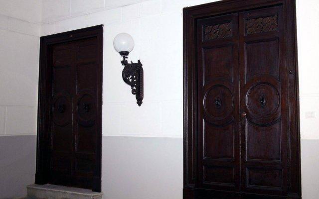 Отель B&B Giulio Cesare вид на фасад