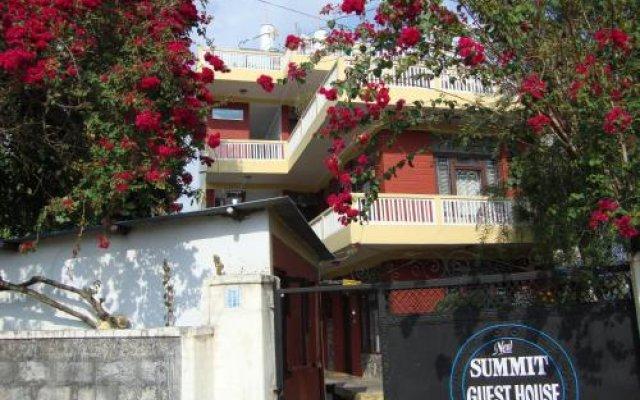 Отель New Summit Guest House Непал, Покхара - отзывы, цены и фото номеров - забронировать отель New Summit Guest House онлайн вид на фасад
