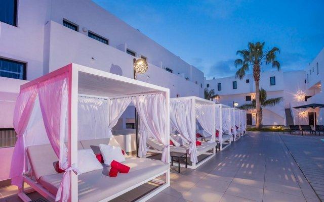Отель Migjorn Ibiza Suites & Spa вид на фасад