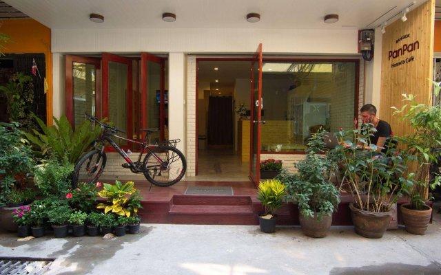 Отель PanPan Hostel Bangkok Таиланд, Бангкок - отзывы, цены и фото номеров - забронировать отель PanPan Hostel Bangkok онлайн вид на фасад
