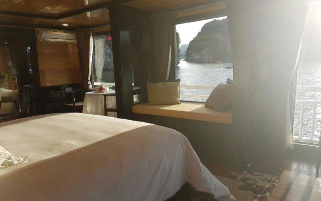Отель Hera Cruises комната для гостей