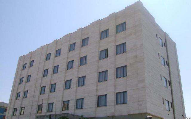 Hotel 7 Mari Бари вид на фасад