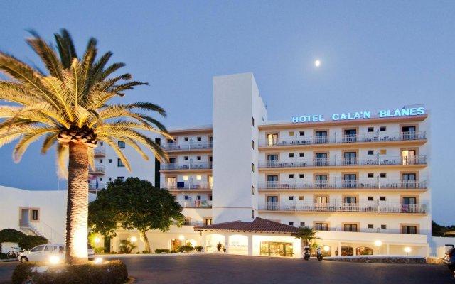 Отель Globales Cala'n Blanes Кала-эн-Бланес вид на фасад