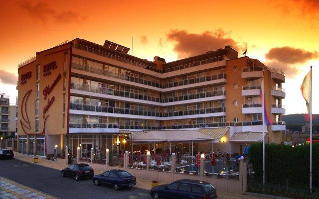 Отель Plamena Palace вид на фасад