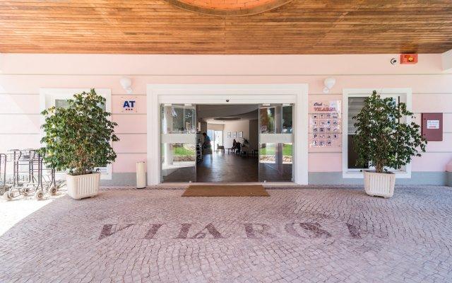 Отель Clube VilaRosa вид на фасад