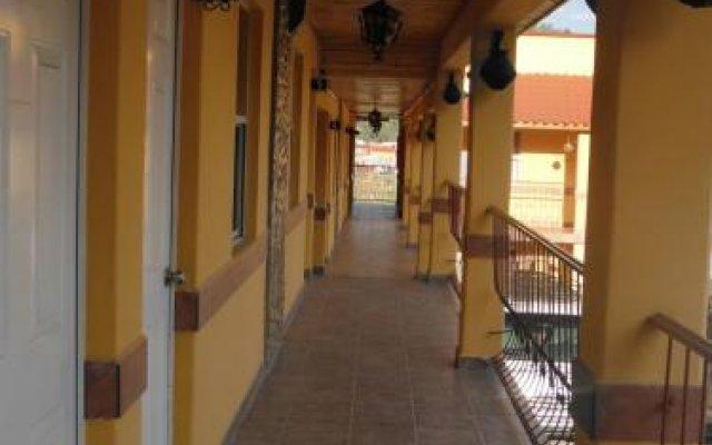 Отель Paraiso del Bosque Креэль вид на фасад