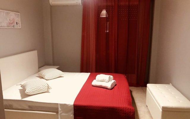 Апартаменты Merilyn Central Apartment комната для гостей
