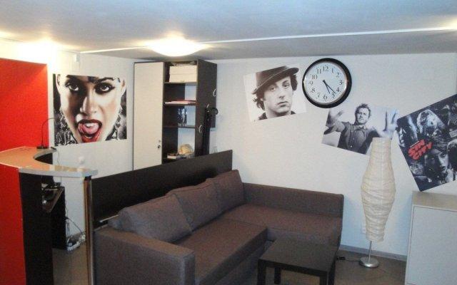 Cinema Hostel комната для гостей