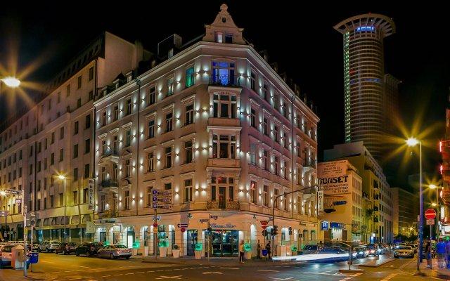 Grand Hotel Downtown вид на фасад