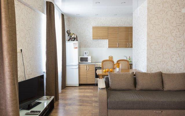 Гостиница Comfort Apartment on Stroitelny per 8 в Иркутске отзывы, цены и фото номеров - забронировать гостиницу Comfort Apartment on Stroitelny per 8 онлайн Иркутск комната для гостей