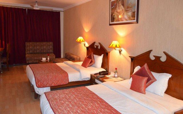 Отель Grand Sartaj Hotel Индия, Нью-Дели - отзывы, цены и фото номеров - забронировать отель Grand Sartaj Hotel онлайн комната для гостей