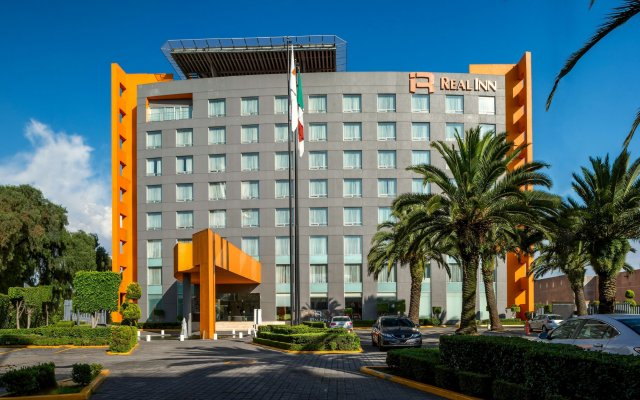 Отель Real Inn Perinorte Тлальнепантла-де-Бас вид на фасад