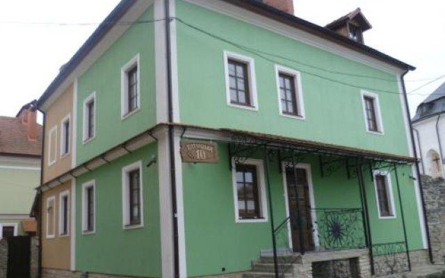 Гостиница Home Hotel Украина, Каменец-Подольский - отзывы, цены и фото номеров - забронировать гостиницу Home Hotel онлайн вид на фасад