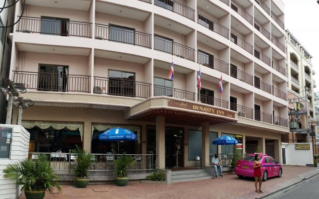 Отель Dynasty Inn Pattaya вид на фасад