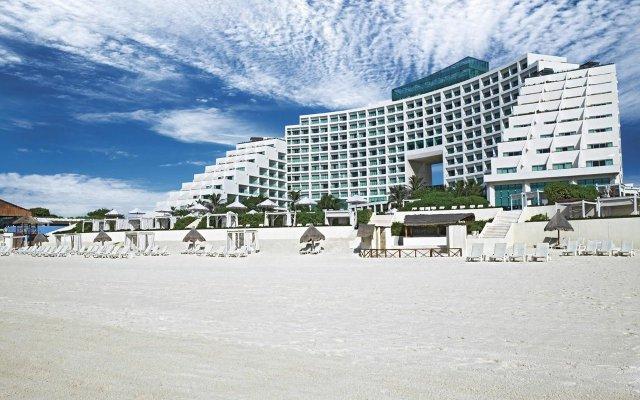Отель Live Aqua Cancun - Все включено - Только для взрослых Мексика, Канкун - 2 отзыва об отеле, цены и фото номеров - забронировать отель Live Aqua Cancun - Все включено - Только для взрослых онлайн спортивное сооружение
