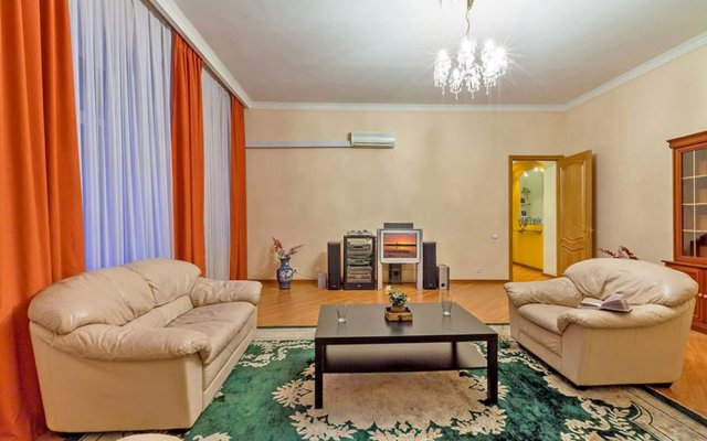 Апартаменты Friends apartment on Pushkinskaya комната для гостей