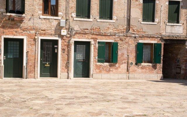 Отель Just Relax Apartment Италия, Венеция - отзывы, цены и фото номеров - забронировать отель Just Relax Apartment онлайн вид на фасад