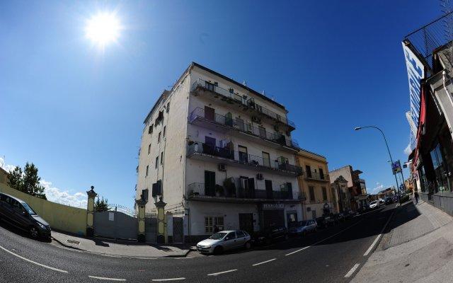 Отель The Last Floor Торре-дель-Греко вид на фасад