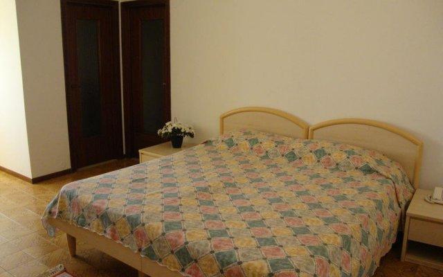 Отель Bellerive Ristorante Albergo Манерба-дель-Гарда комната для гостей