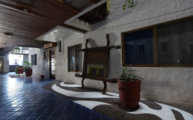Hotel Suites del Sol Пуэрто-Вальярта вид на фасад