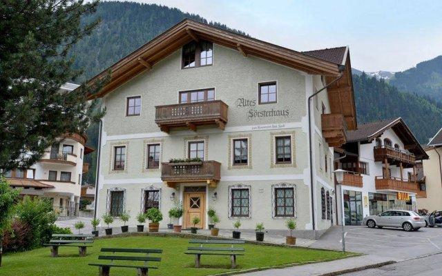 Отель Alpenhotel Kramerwirt & Altes Forsthaus - Kramerwi Австрия, Майрхофен - отзывы, цены и фото номеров - забронировать отель Alpenhotel Kramerwirt & Altes Forsthaus - Kramerwi онлайн вид на фасад