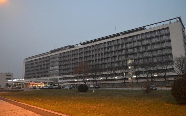 Garni Hotel Jugoslavija вид на фасад
