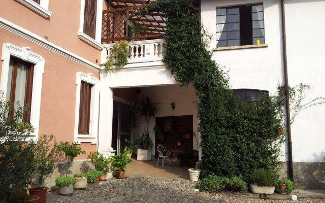 Via Repubblica Novate Milanese Mi.B B Antica Corte Milanese In Novate Milanese Italy From 75
