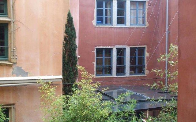 Отель la Tour Rose Франция, Лион - отзывы, цены и фото номеров - забронировать отель la Tour Rose онлайн вид на фасад