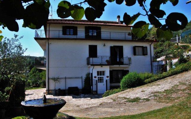 Отель B&B Grillo Verde Фьюджи вид на фасад