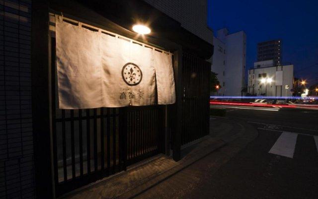 Hakata Gofukumachi Hostel Takataniya Фукуока вид на фасад