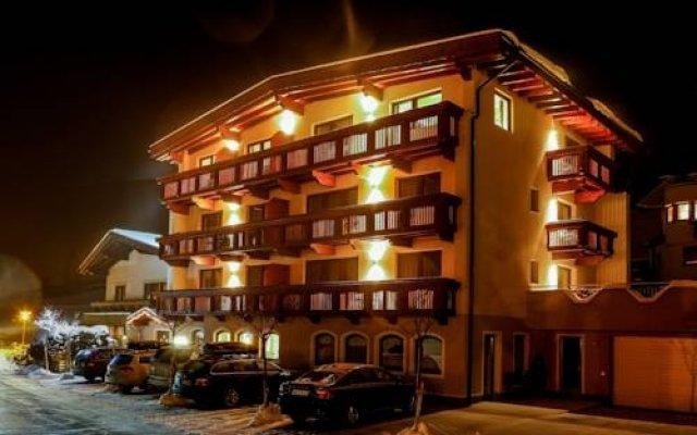 Отель Rechenau Австрия, Хохгургль - отзывы, цены и фото номеров - забронировать отель Rechenau онлайн вид на фасад