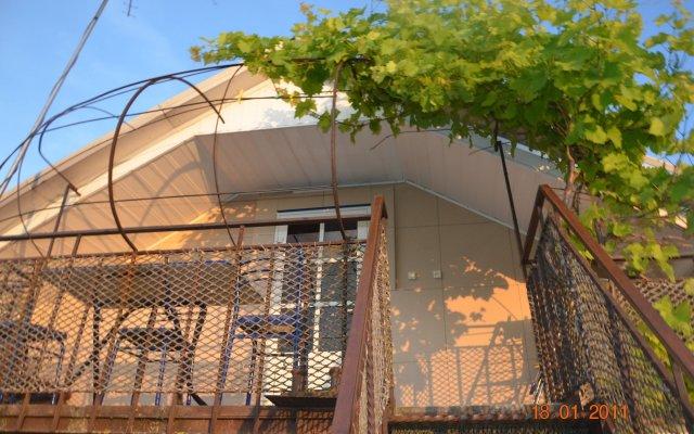 Гостиница Guest House on Turgeneva 172a в Анапе отзывы, цены и фото номеров - забронировать гостиницу Guest House on Turgeneva 172a онлайн Анапа вид на фасад