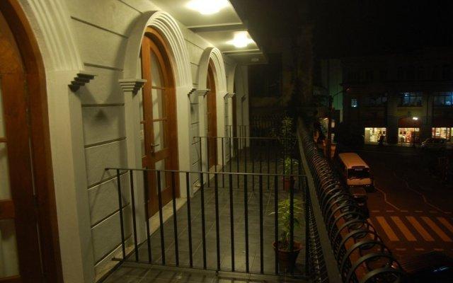 Отель CASAMARA Канди вид на фасад