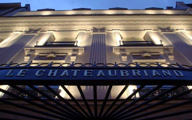 Отель Hôtel Chateaubriand Champs Elysées Париж вид на фасад