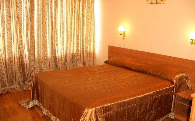 Отель Бердянск комната для гостей