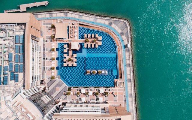 Royal M Hotel & Resort Abu Dhabi вид на фасад