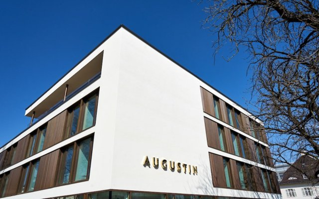 Отель Jugend- und Familienhotel Augustin Мюнхен вид на фасад