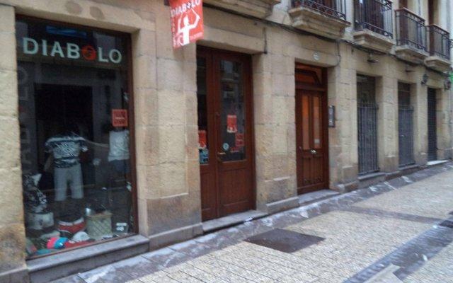 Отель Habitaciones Gracia вид на фасад