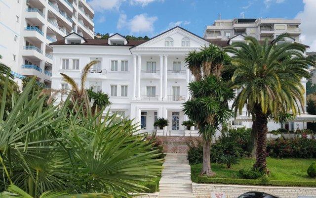 Отель Vila Duraku Албания, Саранда - отзывы, цены и фото номеров - забронировать отель Vila Duraku онлайн вид на фасад