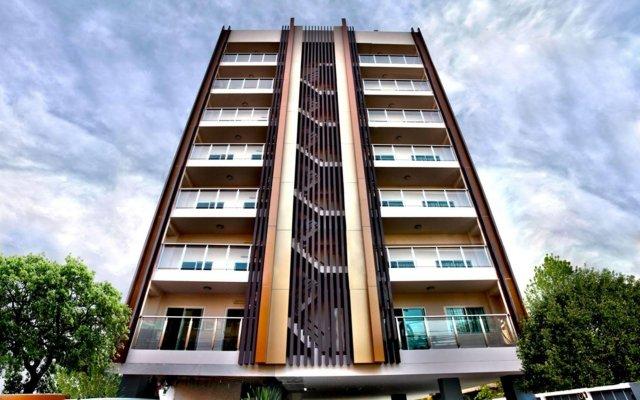 Отель Hap @ Sathorn вид на фасад