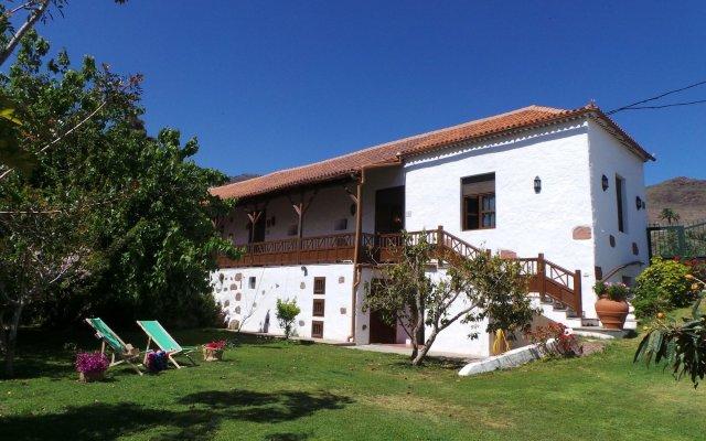 Отель Casa Rural La Montañeta вид на фасад