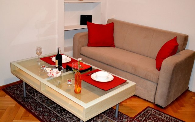 Апартаменты West Apartments Mazowiecka 7 Варшава комната для гостей